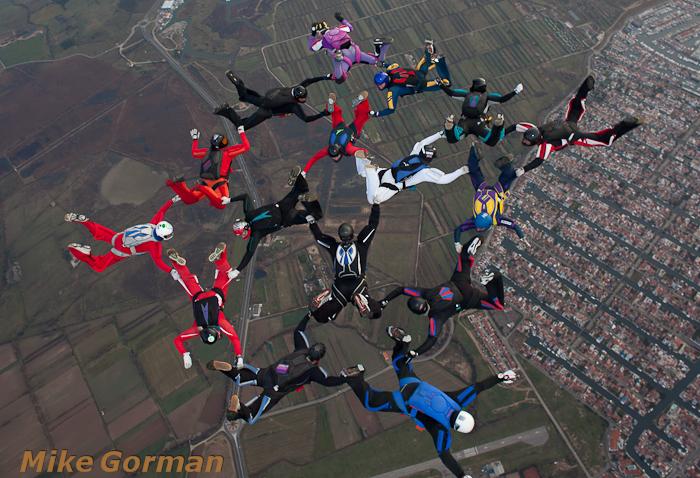 paracaidismo--xmasboogie2010ByMikeGorman0201-(31).jpg