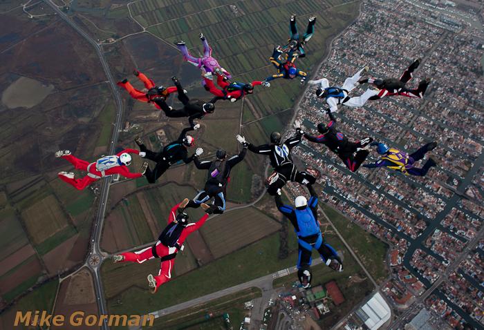 paracaidismo--xmasboogie2010ByMikeGorman0201-(32).jpg