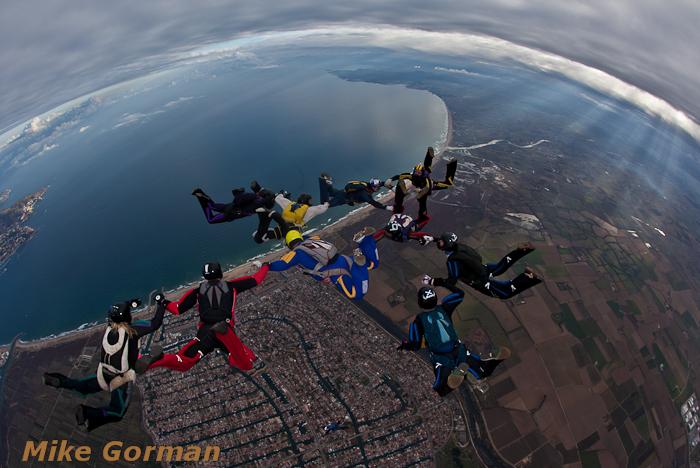 paracaidismo--xmasboogie2010ByMikeGorman0201-(38).jpg