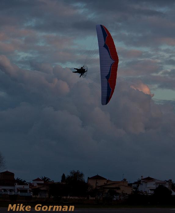paracaidismo--xmasboogie2010ByMikeGorman0201-(40).jpg