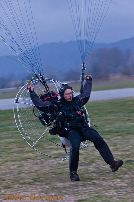 paracaidismo--xmasboogie2010ByMikeGorman0201-(46).jpg