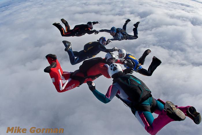 paracaidismo--xmasboogie2010ByMikeGorman0201-(6).jpg