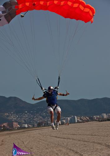 paracaidismo--hw27-11042011ByMikeGorman-(8).jpg