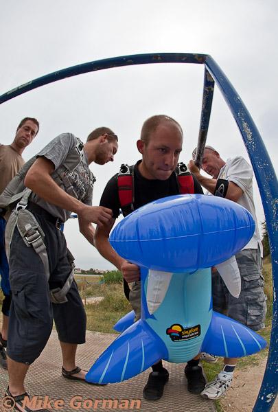 paracaidismo--MrWalrus072011ByMikeGorman-(1).jpg