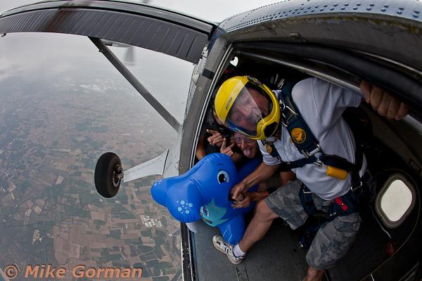 paracaidismo--MrWalrus072011ByMikeGorman-(10).jpg