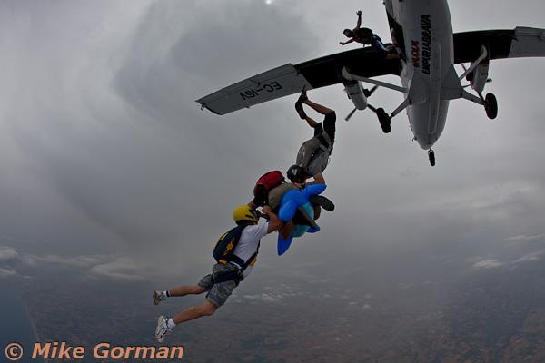 paracaidismo--MrWalrus072011ByMikeGorman-(11).jpg