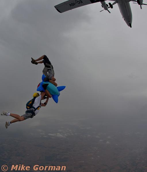 paracaidismo--MrWalrus072011ByMikeGorman-(12).jpg
