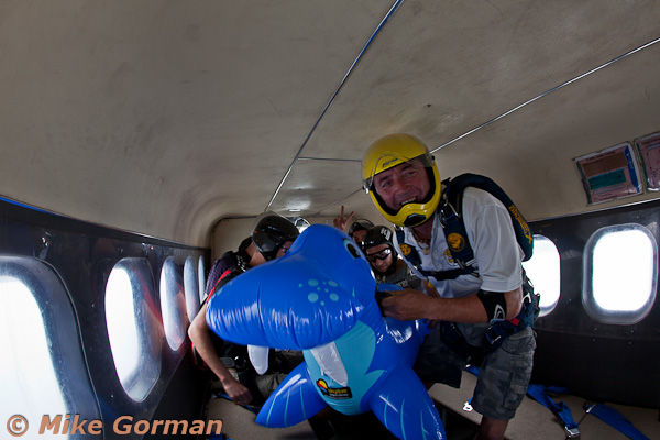 paracaidismo--MrWalrus072011ByMikeGorman-(8).jpg