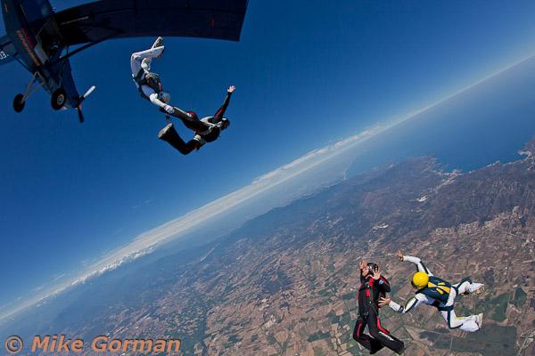paracaidismo--hotWeekender30ByMikeGorman-(1).jpg
