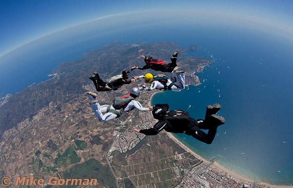 paracaidismo--hotWeekender30ByMikeGorman-(2).jpg