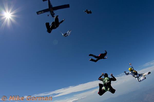 paracaidismo--hotWeekender30ByMikeGorman-(25).jpg
