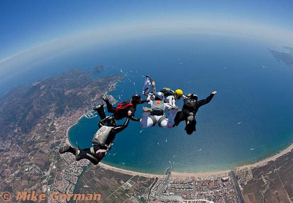 paracaidismo--hotWeekender30ByMikeGorman-(4).jpg