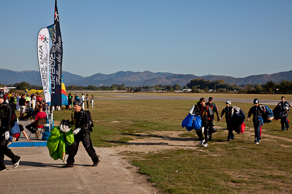 paracaidismo--16wayT2011-ByMikeGorman-(14).jpg