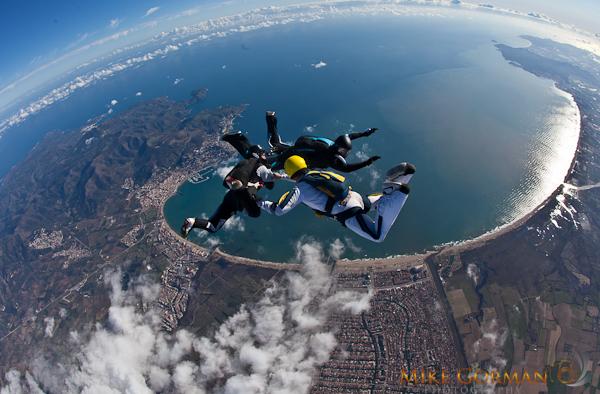 paracaidismo--HW33ByMikeGorman1111-(1).jpg