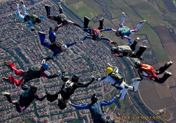 paracaidismo--byMikeGormanXmasB11l3d-(24).jpg