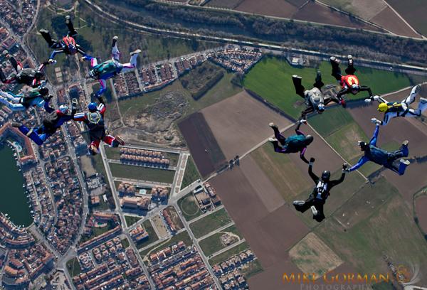 paracaidismo--byMikeGormanXmasB11l3d-(25).jpg