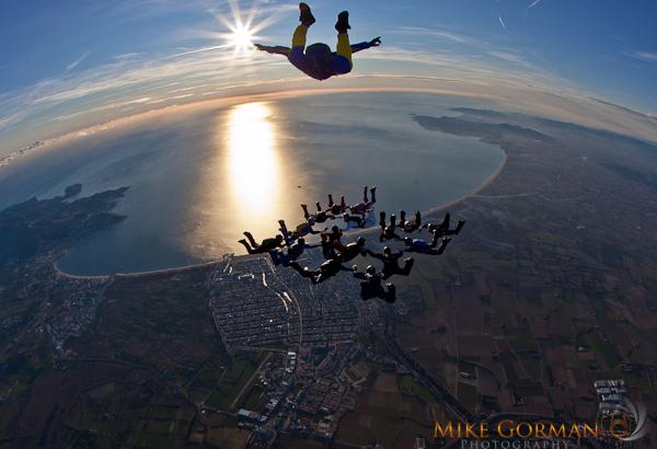 paracaidismo--byMikeGormanXmasB11l3d-(6).jpg
